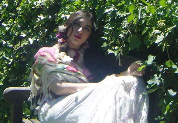 نگاهی دیگر به شعر زیبا کرباسی/ محمد سفریان