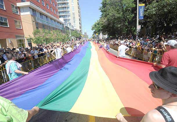 سی امین سالگرد جشنواره دگرباشان جنسی در تورنتو
