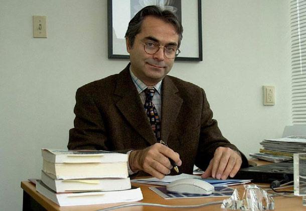 گفت وگوی شهروند با دکتر عطا هودشتیان/ علی شریفیان