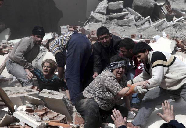 پناهندگان بی پناه ایرانی در شهر زلزله زده ی وان