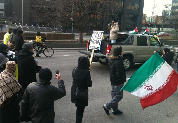 """پاسخ به گزارش""""علیه جنگ یا دفاع از جمهوری اسلامی"""" مندرج در شهروند"""