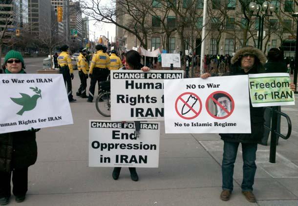 علیه جنگ یا دفاع از جمهوری اسلامی؟/ آرش عزیزی