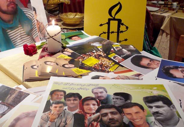 جشن تولد برای زندانیان سیاسی متولد خرداد در تورنتو