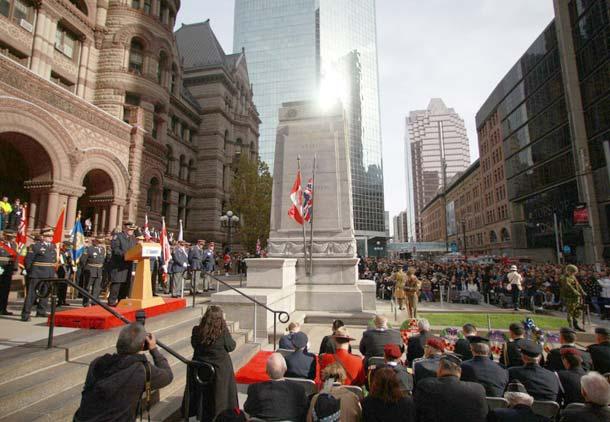 """برگزاری روز """"یادمان"""" جان باختگان جنگ در کانادا"""
