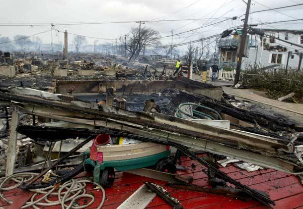 توفان سندی در آمریکا ۵۱ کشته و ویرانی بسیار برجای گذاشت