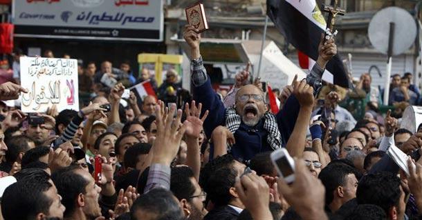 مرسی خواهان گفتوگو با مخالفان شد