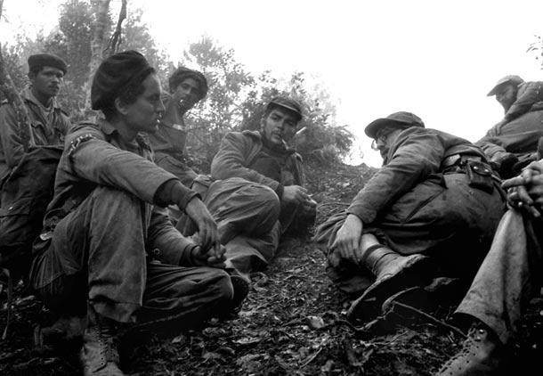 وداع با انریکه منیسس عکاس کاسترو و چه گوارا در کوه های سیه را مایسترا /شهرزاد ارشدى
