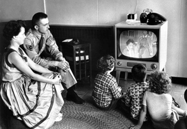 ورود تلویزیون به کوچه خدایار/نیره رهگذر
