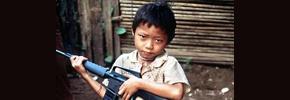 چگونه کودکان در جنگها تبدیل به ماشینهای کشتار میشوند؟/هاله صفرزاده
