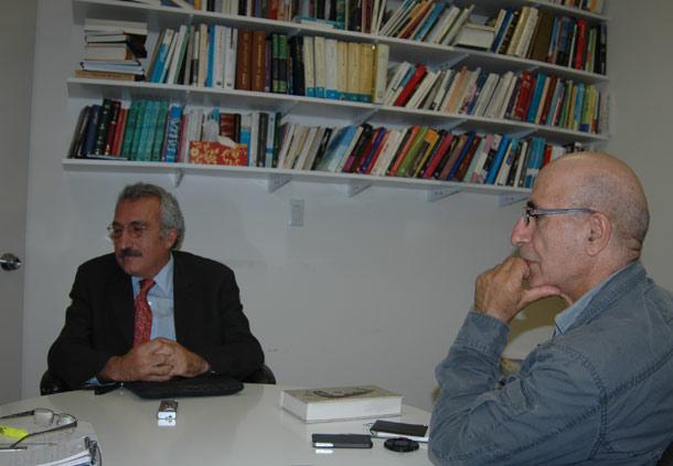 از راست: بهرام بهرامی - عباس میلانی