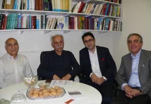 از راست: رضا بنایی، کاوه شهروز ، کریم لاهیجی و علی وکیلی  در دفتر شهروند