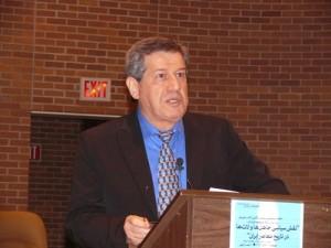 دکتر مسعود نقره کار در کانون کتاب تورنتو