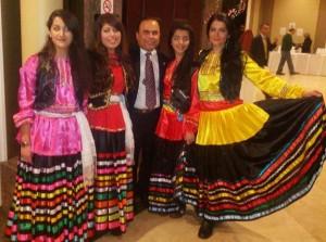 محمد کمالی با گروه رقص گیلانی