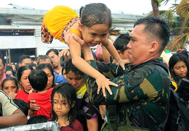 اعزام امدادگران کانادا برای کمک به قربانیان توفان فیلیپین