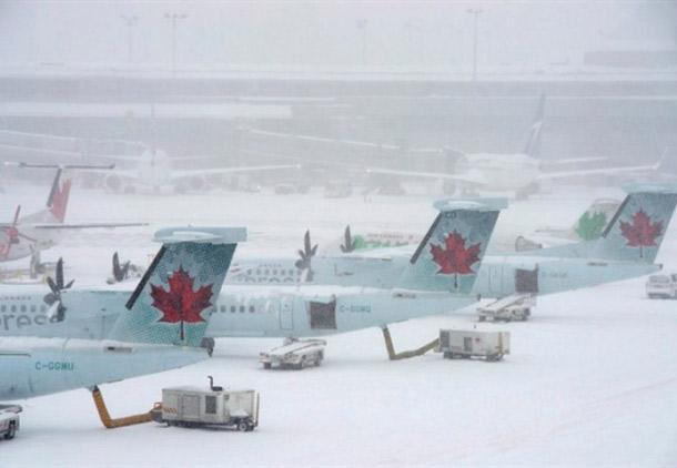 سرمای شدید باعث لغو صدها پرواز از فرودگاه تورنتو شد