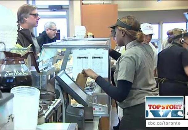 حداقل دستمزد در انتاریو به ساعتی ۱۱ دلار افزایش یافت