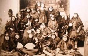 جلسه زنان ناصرالدین شاه برای دریافت اضافه حقوق و روشن کردن تکلیف امیرکبیر!