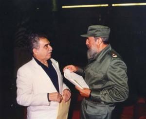 مارکز در کنار فیدل کاسترودر کنار فیدل کاسترو