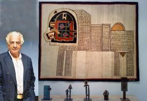 پرویز تناولی در کنار آثارش