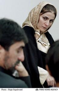 شهلا جاهد در دادگاه به شهادت ناصر محمدخانی گوش می دهد