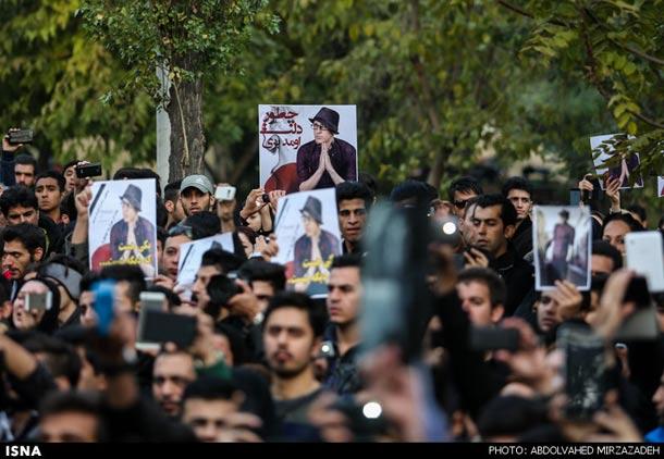 درنگی بر معنای سوگ و تجمع های گسترده مردم به مناسبت مرگ مرتضی پاشائی!/تقی روزبه