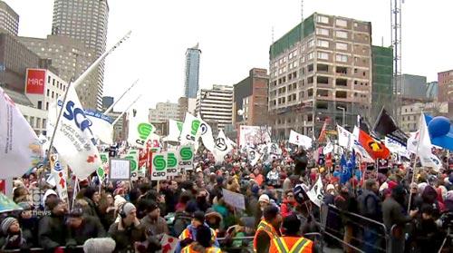 تظاهرات  بزرگ در کبک علیه سیاست صرفه جویی  دولت