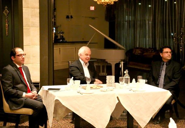 میزگرد جمعی از ایرانیان با جان مک کالوم، نماینده پارلمان کانادا