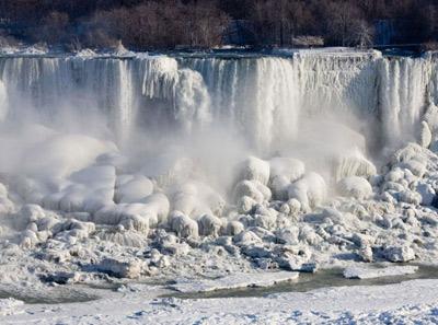 آبشار نیگارا یخ زد