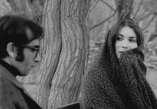 پروانه معصومی و پرویز فنی زاده در نمایی از فیلم رگبار