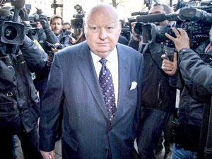 آغاز محاکمه جنجالی مایک دافی، سناتور برکنار شده