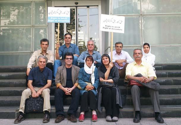 از تلاشهای شهروندی نسرین ستوده و یارانش برای حقوق دگراندیشان پشتیبانی میکنیم!