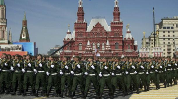 قدرت نمائی روسیه ، یک روز پس از مراسم پایان جنگ جهانی دوم!