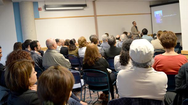 شرکت کنندگان در جلسه کانون کتاب تورنتو