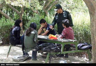 بازداشت ۵۰۰ نفر در شیراز به اتهام روزهخواری
