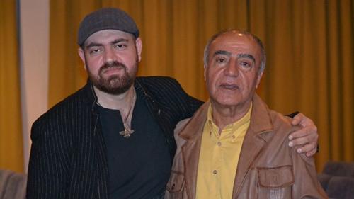 اکبر ذوالقرنین (راست) و هوتن شیرازی