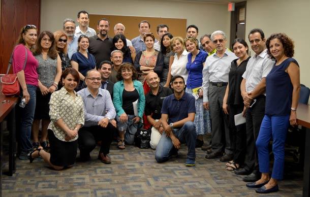 عکس یادگاری تعدادی از شرکت کنندگان در جلسه آشنایی با اعضای هیئت مدیره کنگره ایرانیان کانادا