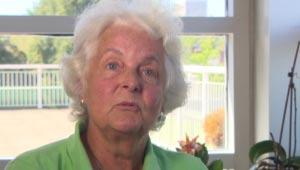 بعد از ۸۰ سال زندگی در کانادا، به او شهروندی نمی دادند