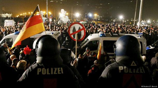 گروه پگیدا تظاهرات پرشماری را علیه مهاجران و پناهندگان برگزار کرد