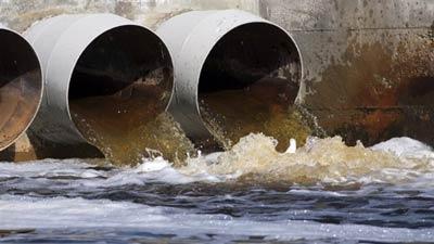 گسترش انتقاد از ریختن آب فاضلاب در رودخانه سن لوران