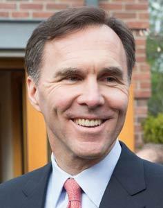 وزیر دارایی: از محافظه کاران سه میلیارد دلار کسری بودجه باقی مانده