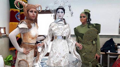 خشم رسانههای حکومتی از برگزاری شوی «لباس خلاقانه»