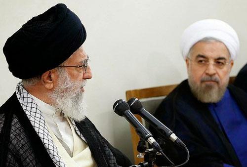حسن روحانی رئیس جمهوری (راست) ـ سیدعلی خامنه ای رهبر جمهوری اسلامی