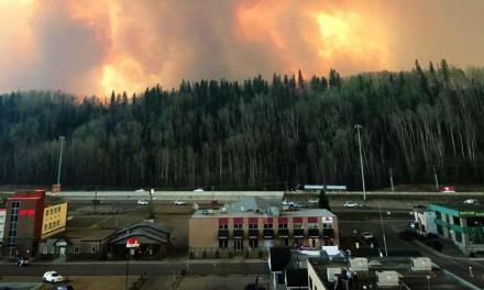 آتش سوزی گسترده در آلبرتا