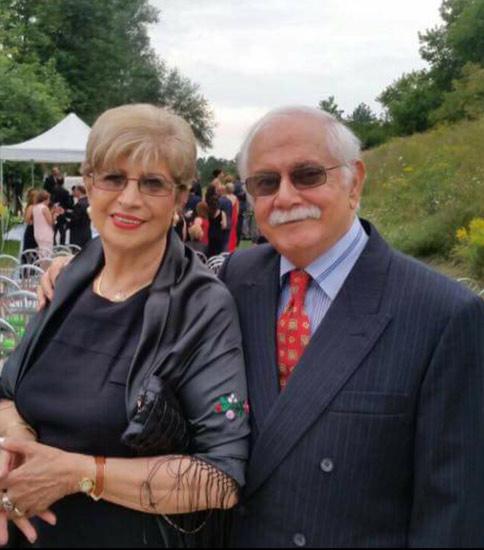 استاد مسعودی در کنار همسرش ناهید مهرنوش