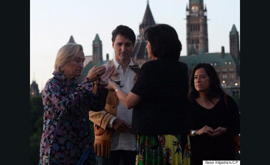 روز ملی بومیان در کانادا و شرکت نخست وزیر در آئین مقدس سپیده دم