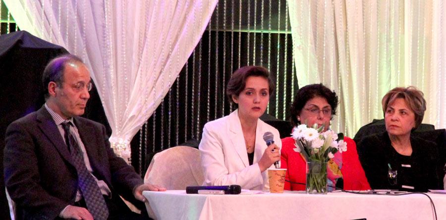 از راست: شهلا یعقوبیان، شیدا بامداد، دکتر شیوا امیری، دکتر عباس آزادیان