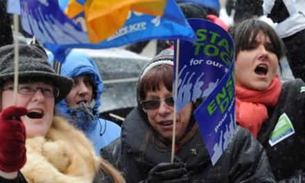 لیبرال ها قانون ضد اعتصاب را لغو می کنند