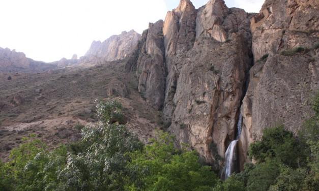 آبشار شاهاندشت؛  واپسین تختگاه/جعفر سپهری