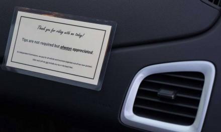 آیا باید به راننده ی اوبر و یا میزبان Airbnb انعام داد؟
