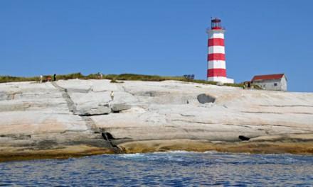 قدیمی ترین فانوس دریایی کانادا بازسازی می شود